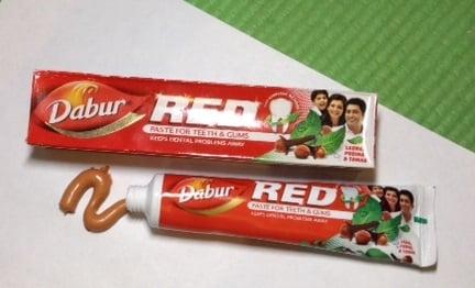 Аюрведическая индийская зубная паста Dabur Red